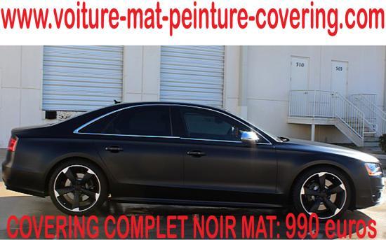 Le total covering noir mat est à la mode avec son aspect singulier.