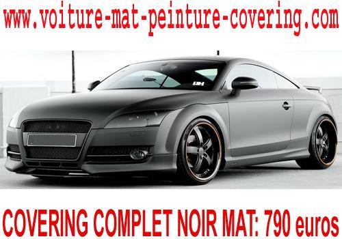 Donnez un coup de jeune à votre voiture avec un covering noir mat.
