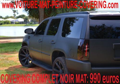 Le noir mat est une option qui convient bien aux voitures de luxe.
